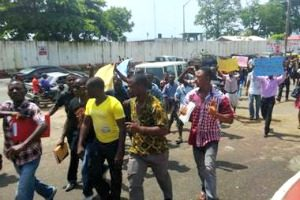 ulprot1 (University of Liberia Students Go Amok, Disrupt Classes)
