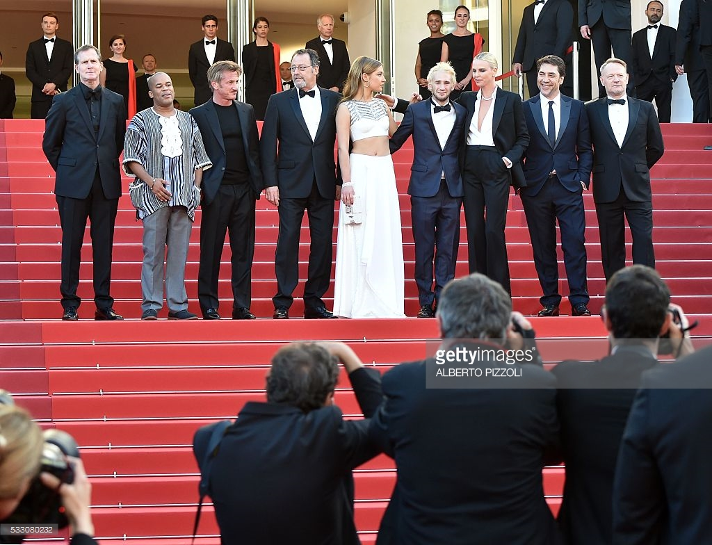 www.gettyimages.com /producer Matt Palmieri, actor Zubin Cooper, actor and director Sean Penn, French actor Jean Reno, French actress Adele. Cannes, France