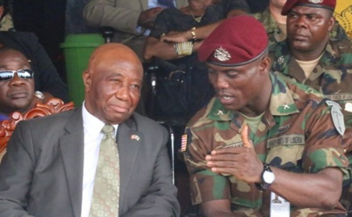 Armed Froces Day, at the military barracks he enjoys the confidence of the vice president
