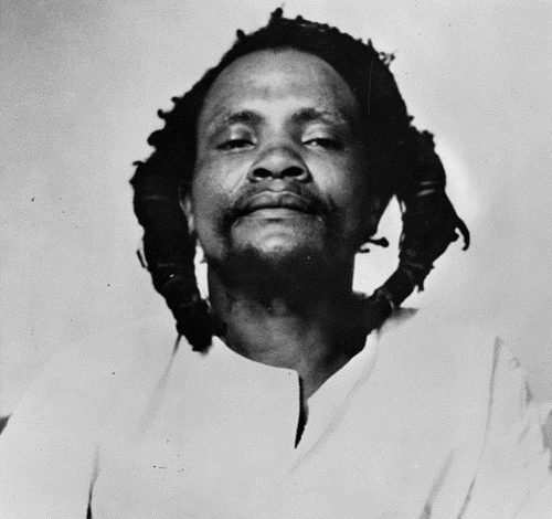 Kimathi, who used to write letters to negotiate with the colonial government from his hideout, further told the court that a pistol that was found on him was given to him in April 1955 by a man called Macharia Kimemia to defend himself against some members of Mau Mau who wanted him dead.