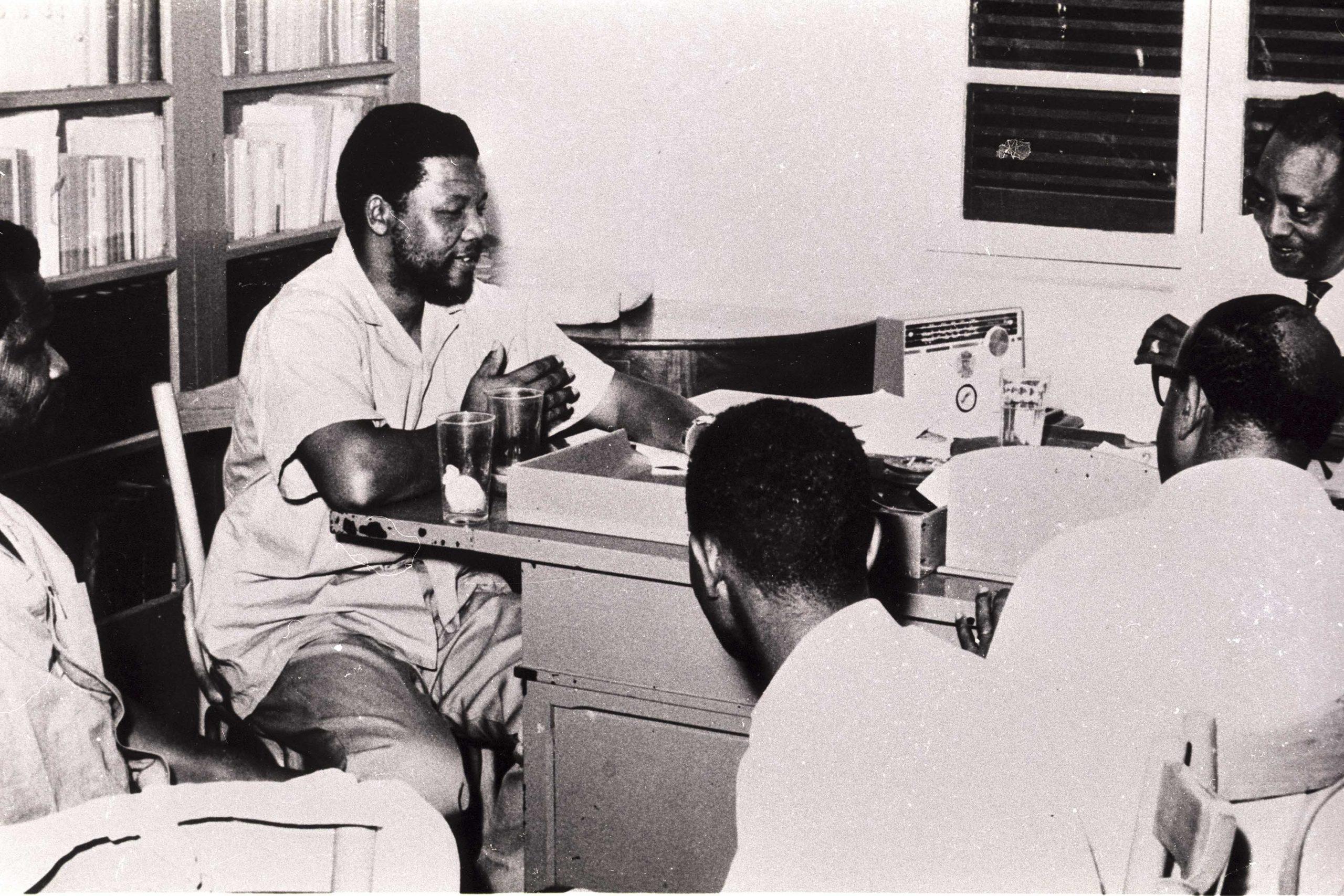 Nelson-Mandela_1962-scaled